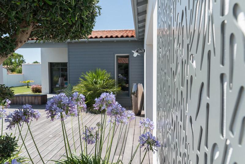 Aménagement extérieur maison contemporaine